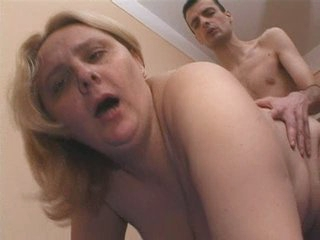 Blonde Granny woman fuck hard with the sweetheart of her daughter&amp,#039,s ally