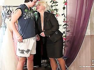 Penny&Adam irresistible mamma on clip