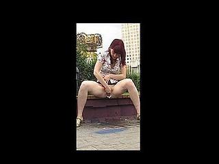 Rocking public urinate