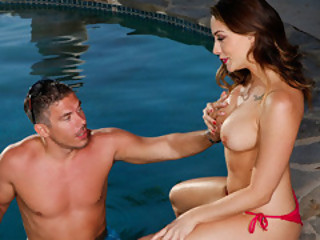 Chanel Preston's Wer Bang Hole Got Nailed