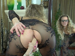 Barbara featured in pantyhose clip