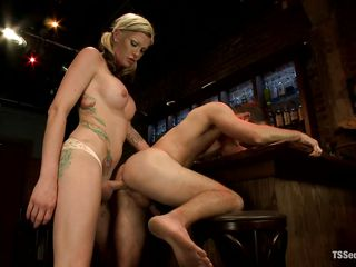 domineering blonde shemale drills a constricted anus