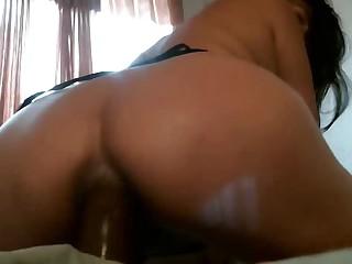 bitch colombiana masturbandose el gran culo dilatado