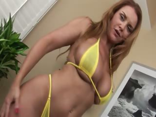 Naughty model fisting herself