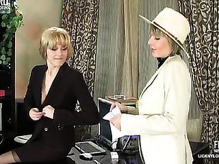 Joanna&Grace nylon lesbo movie