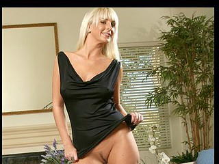Tempting Anilos mother i'd like to fuck rides a table top marital-device to reach an earth trembling orgasm