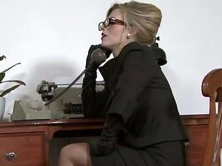 Michelle Moist - Ravenous in the office...