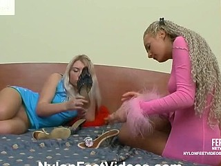 Tessa&Sylvia nasty nylon feet act