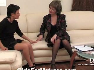 Elvira&Subrina lesbo aged movie
