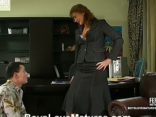 Bridget&Connor red sexy aged movie