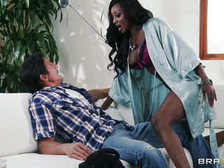 Tommy Gunn a lucky white dude gets a very special interracial treatment from our hot ebony mama Diamond Jackson. With her hawt body full of curves, she rolls over Tommy and shows her wonderful big boobs. He is so amazed with her beauty he don't even get the chance to stop her when she took out his dick to lick and suck the juice out!