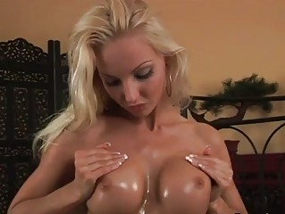 Sizzling Veronicas Perky Oiled...