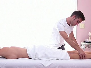 Dude gives explosive pleasures from his doggystyle drilling