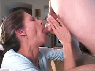 milf engulfing and drinking the juice 2