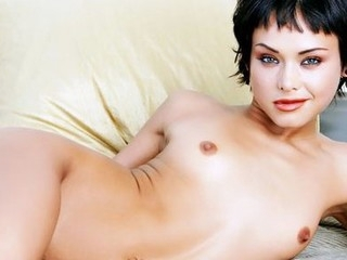 See Hot Pixie spread her legs.