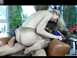 Ninette&Harry raunchy nylon footsex