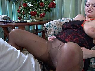 Emily&Benjamin older pantyhose video