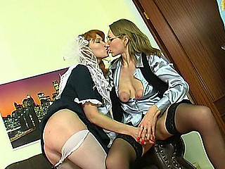 Madge&Irene mamma in lesbian action