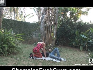Renata&Eduardo shemale fucking guy on video