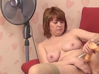 Silvia plays