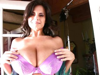 gorgeous brunette milf with biggest zeppelins
