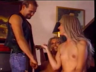 Hot vintage threesome on the piano