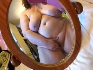 BBW cumming on phone webcam 2