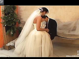 Isabelli desirous shelady bride