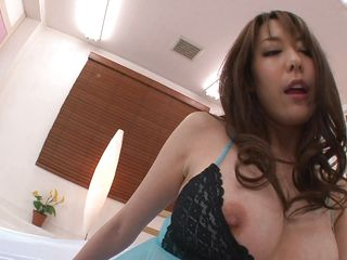 Sexy milf Akari Asagiri sucks on a floppy clear dildo to warm her throat up for some real cock. She has her nipples squeezed and her clit pinched. Then she uses her hands and mouth to make her boyfriend cum.
