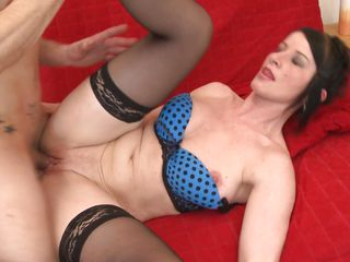 brunette older gets drilled on sofa