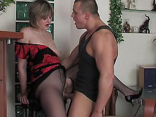 Leonora&Nicholas aged hose episode