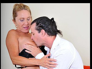 Anilos cougar Luna gets licked and fucked hardcore