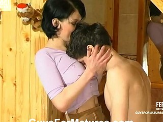 Younger fellow getting his first fucking experience with exceedingly hot mother i'd like to fuck
