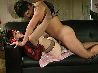 Elinor&Adam fantastic mama in act